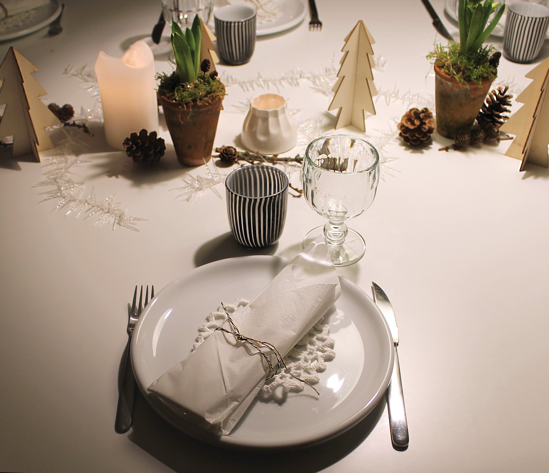 How To Decorate Your Perfect Christmas Table